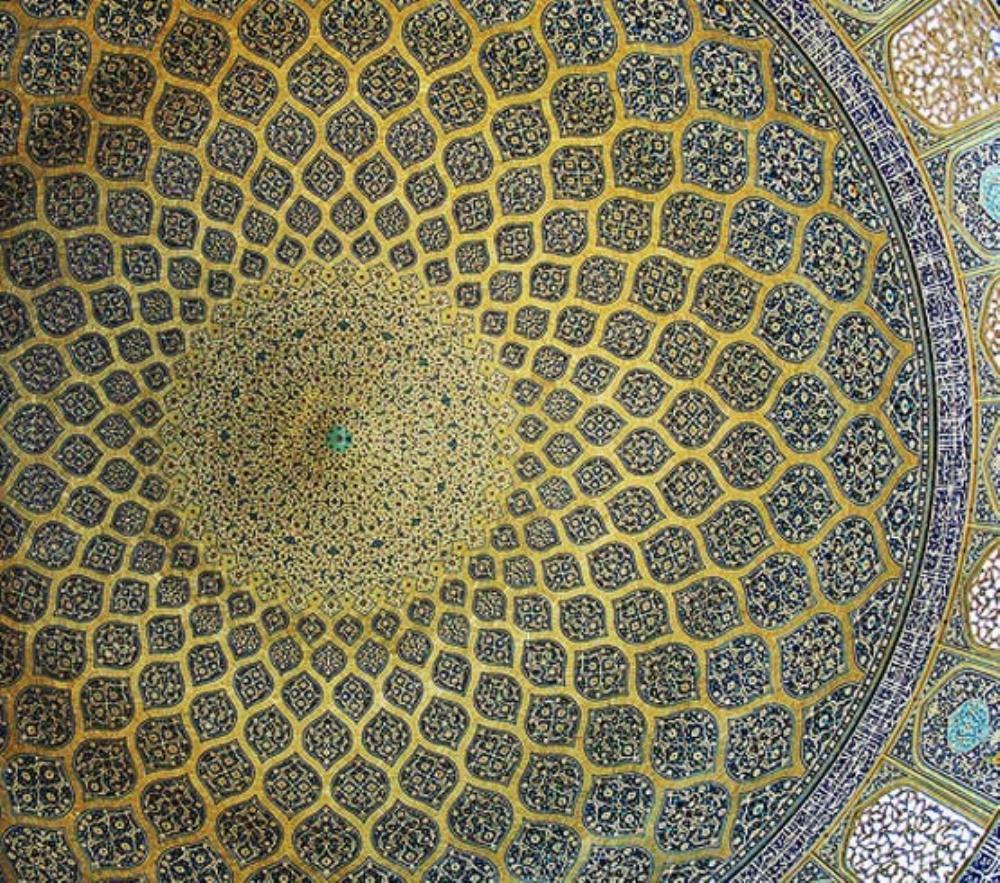 داخل گنبد مسجد شیخ لطف اله